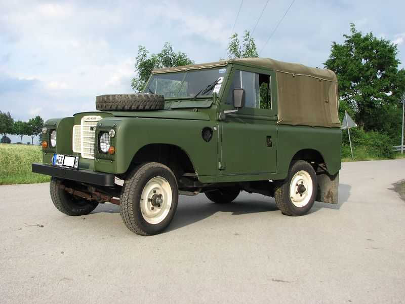 Oldtimer-Automobile-Rieger Land Rover- 4 x 4 UR-SUV